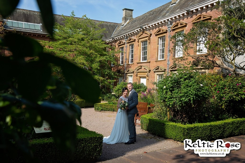 Wedding photos outside Tullie House Museum and Art Gallery